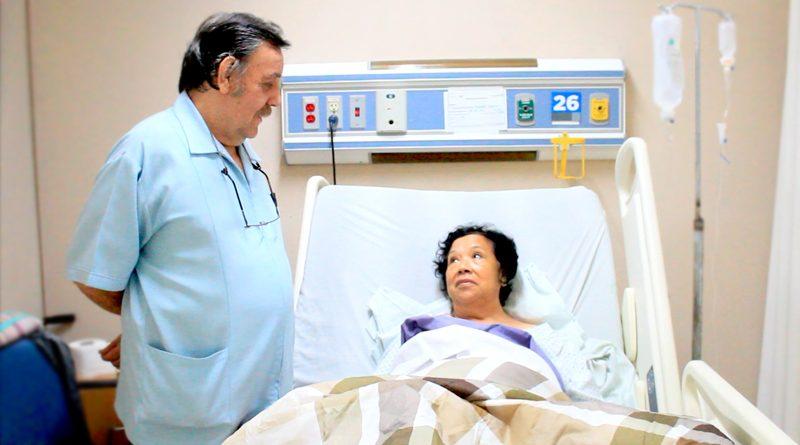 Habitantes de BCS han sido beneficiados con cirugías de prótesis de rodilla