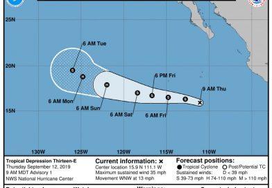 Al sur-sureste de la Península de Baja California se forma la TT Kiko