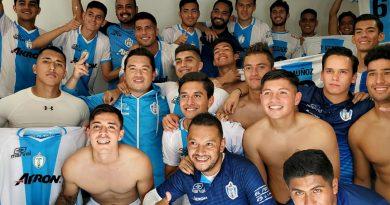 Gana Lobos Marinos a Dorados al cerrar la primera ronda en la liga Premier