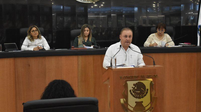 Reciben diputados indicadores de desarrollo estatal
