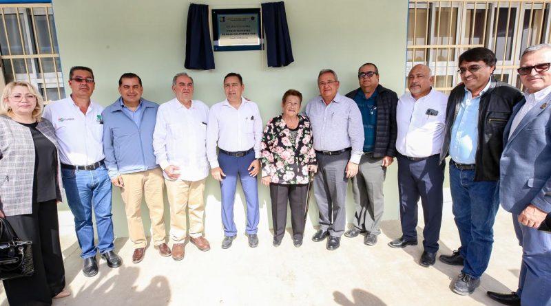 En honor a quienes trabajaron en la formación de la constitución del estado; recibe escuela de nueva creación nombre de Constituyentes de Baja California Sur