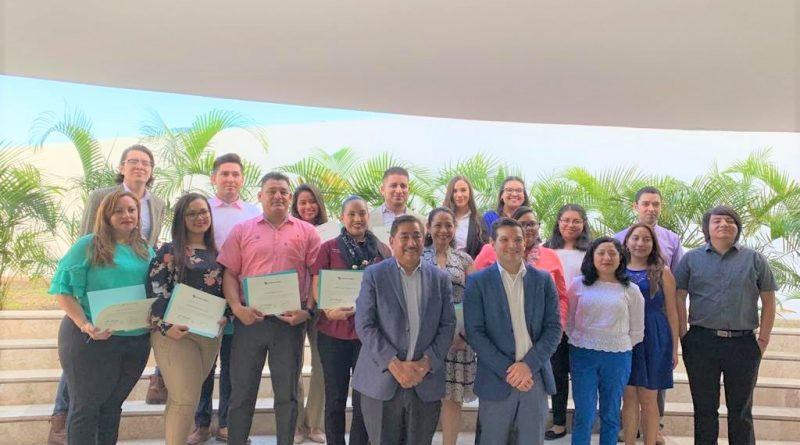 Se gradúan 10 maestros de BCS en metodología del programa enseña por México