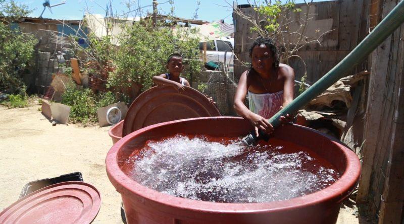 Reconocen ciudadanos el apoyo del Oomsapas Los Cabos, al suministrar agua de manera gratuita