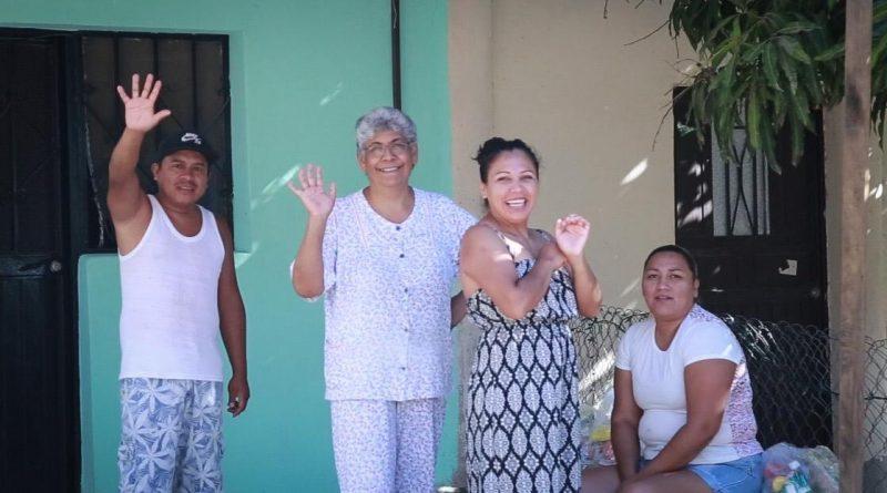 En tan solo un día, el Gobierno de Los Cabos benefició a más de 2 mil personas con la entrega de apoyos asistenciales casa por casa