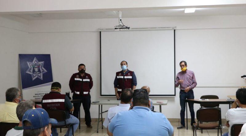 Autoridades se reúnen con transportistas para revisar las medidas de prevención en las unidades