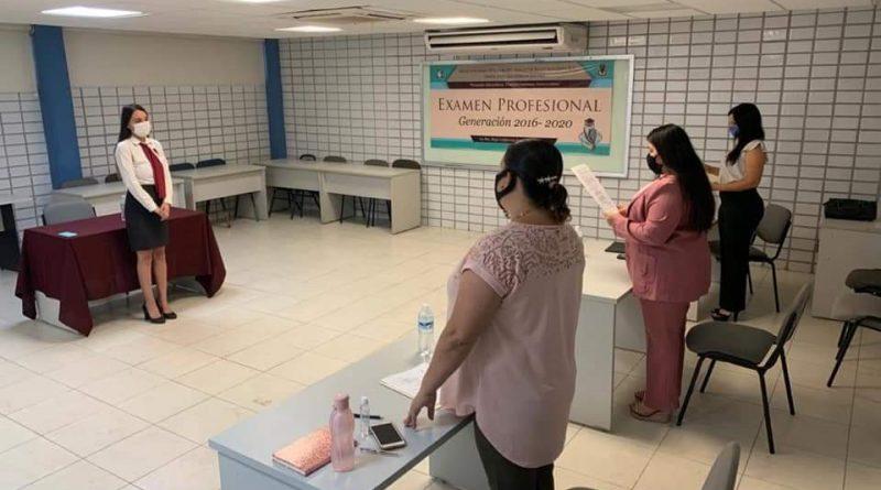 Escuelas formadoras de docentes aplican exámenes de titulación con protocolos sanitarios