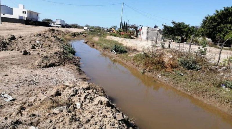 Es atendido El Carrizal con desazolve de cauces de agua ante la temporada de lluvias