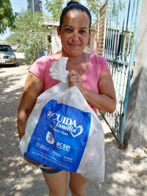 Entrega SEDIF apoyos extraordinarios a personas en situación vulnerable