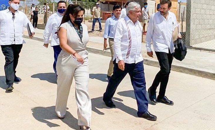 López Obrador da su apoyo total al proyecto de la Planta Desalinizadora y compromete la pavimentación de la avenida Nicolás Tamarál en CSL