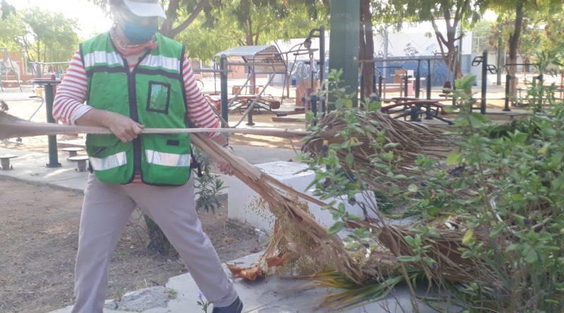 Extrae Servicios Públicos más de 2 ton de basura del parque de la colonia Infonavit