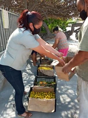 Continúa Atención Ciudadana con la entrega de apoyos alimenticios en colonias de La Paz
