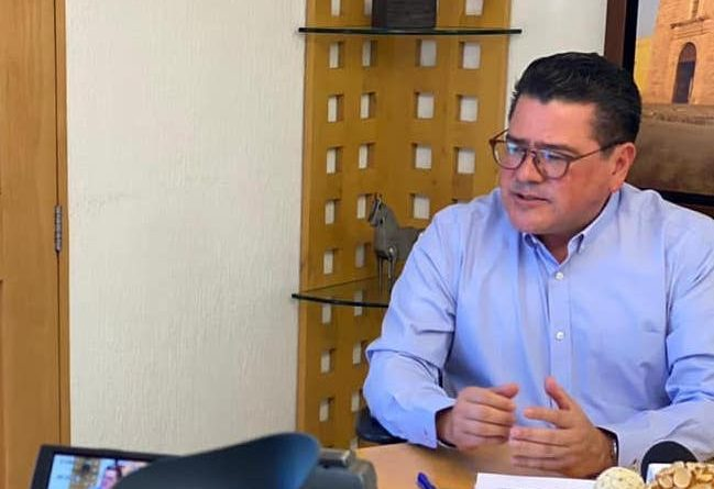 En un acto de unidad, Isidro Jordán dice no buscará la candidatura a la gubernatura