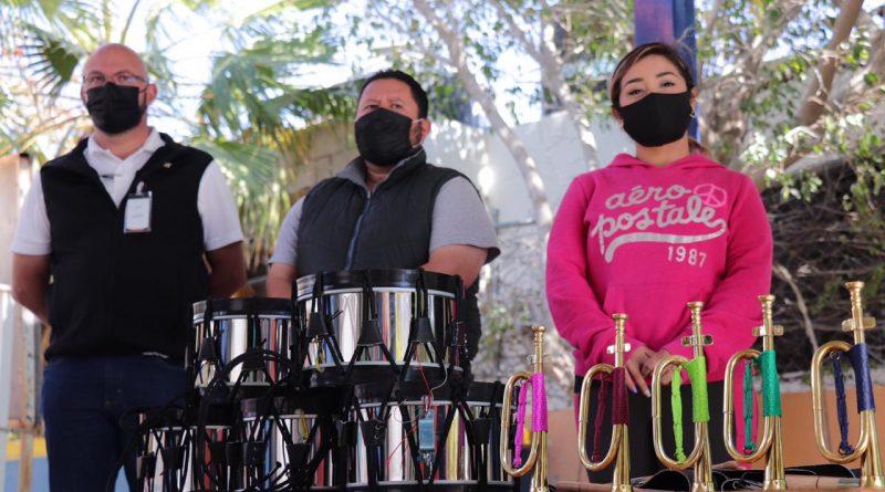 Reciben Instituciones Educativas apoyos del XIII Ayuntamiento de Los Cabos