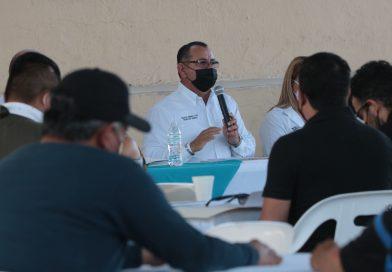 Efectúan reunión de trabajo con delegados sindicales de la sección La Paz