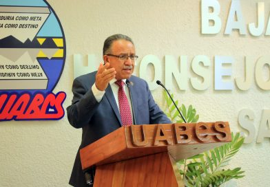 Rector de la UABCS, Dante Salgado, presentó segundo informe de gestión
